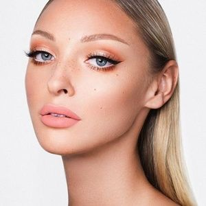 Kylie Cosmetics Apricot Lip Kit